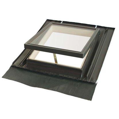 Immagine di Lucernaio, completo di controtelaio in alluminio e abete, con terminale in piombo e vetro temperato, 46xh75 cm - vetro semplice